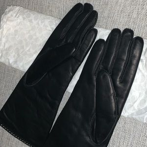 COACH Leather Gloves (BRAND NEW!)